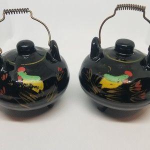 Vintage Kitchen - Vintage Teapot Salt & Pepper Shakers Antique
